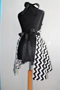 tył czarn 200x300 Fartuszek Kuchenny Sukienka DeLux r. XS XXXL
