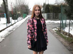 sukienka Wiki 3 300x223 Galeria i opinie