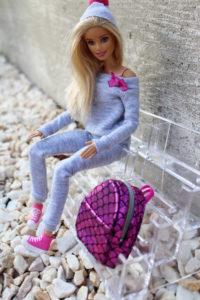 ubranka dla barbie dres szary 200x300 Dres dla Barbie  Komplet