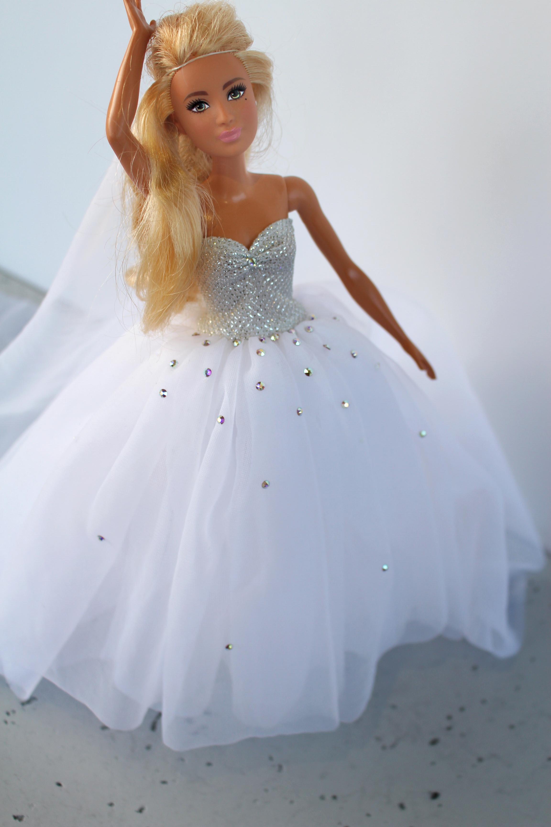 Suknia ślubna Dla Barbie Z Kryształkami Dorota Zgodzaj