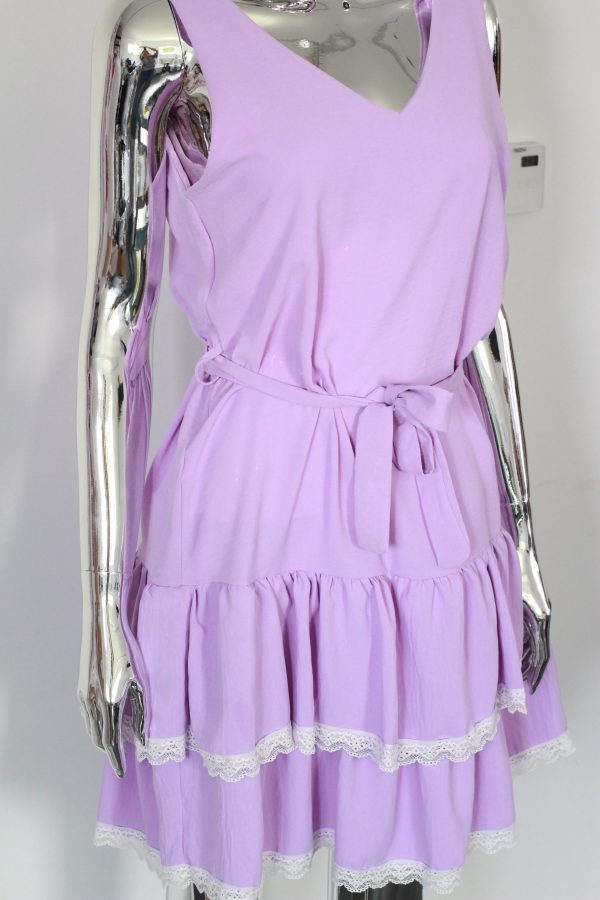 fioletowa sukienka z falbankami